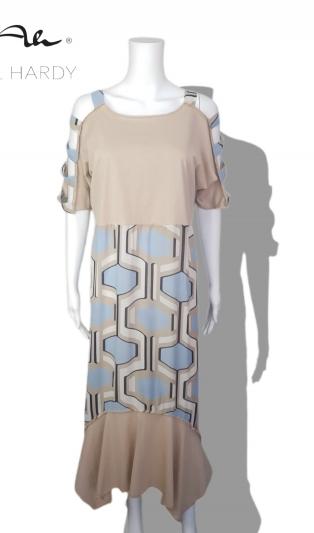 Въздушно лека рокля в геометричен дизайн