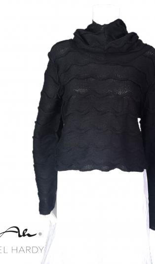 Къса много топла пухкава  плетена блуза с обемна качулка