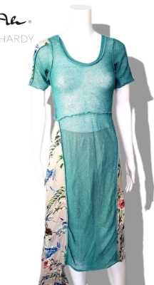 Женствена  лятна рокля на цветя НЕ Е НАЛИЧНА