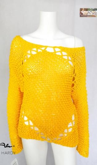 Слънчева жълта ръчно плетена блуза