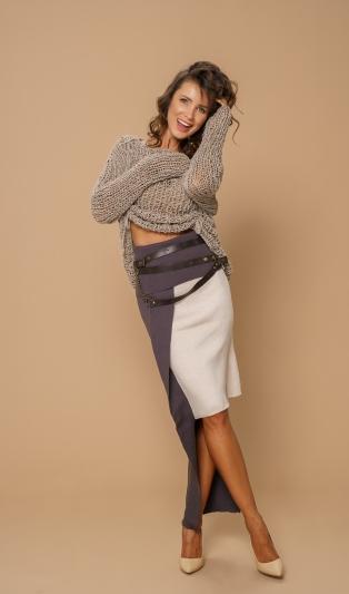 Fashionable asymmetrical skirt