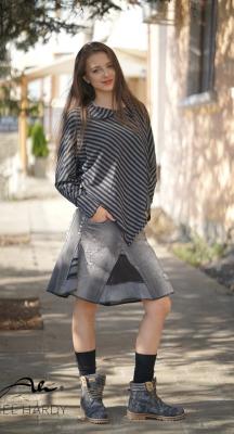 Фънки блузa с триъгълна кройка