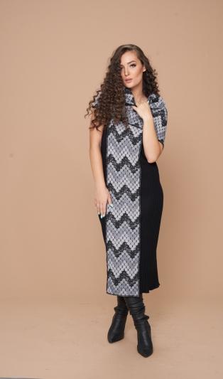 Зимна топла двулицева рокля с обемна яка