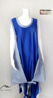 Луда футуристична рокля в кралско синьо и бяло НЕ Е НАЛИЧНА