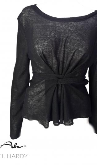 Черна блуза с ленти