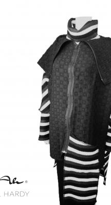 Овърсайз модно  манто с впечатлявящ дизайн