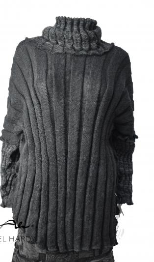 Блуза от меко   плетиво в сиво на релефни райета