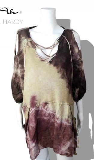 Овърсайз уникална блуза с оригинални елементи в батик НЕ Е НАЛИЧНА
