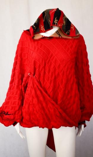 Блуза тип пончо с качулка