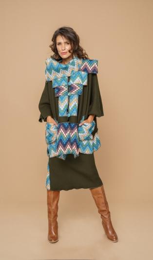 Овърсайз модно топло манто с впечатлявящ дизайн