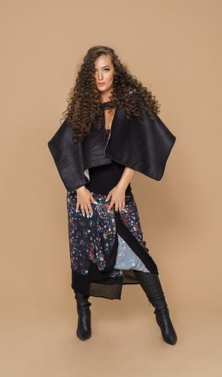 Моден аксесоар шал с качулка с две лица от еко кожа